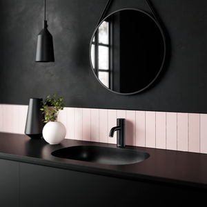 Silhouet Touchless basin tap (Matt black)